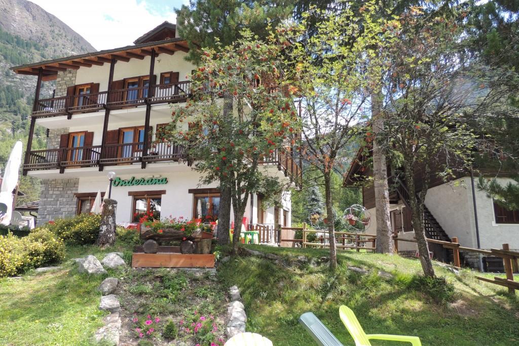 1hotel estate